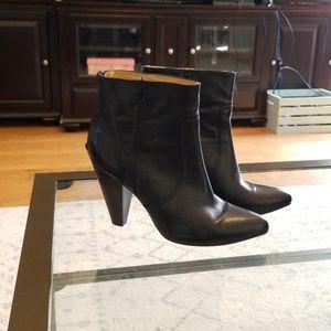 Frye booties Regina black size 10 EUC